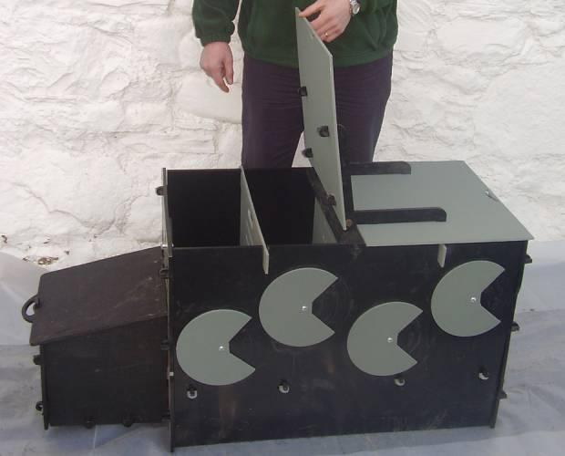 Solway Recycling lamb warming box