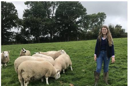 IAE weigh crate win for young Herefordshire shepherd