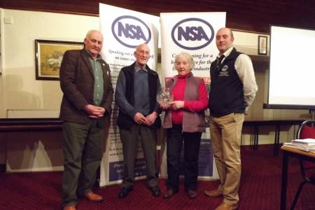 Outgoing NSA Northern Region Chairman oversees presentation of outstanding contribution award