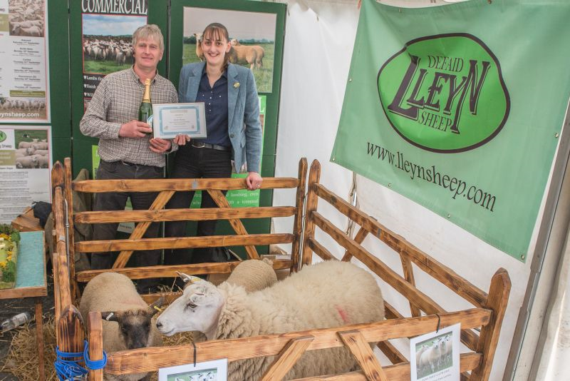 .Edward Adamson and Heather Stoney-Grayshon of the Lleyn Sheep Society with reserve prize for best indoor trade stand.